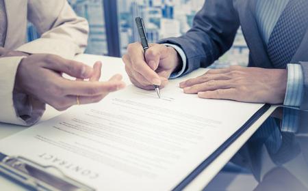 Avocat salarié - signature de contrat